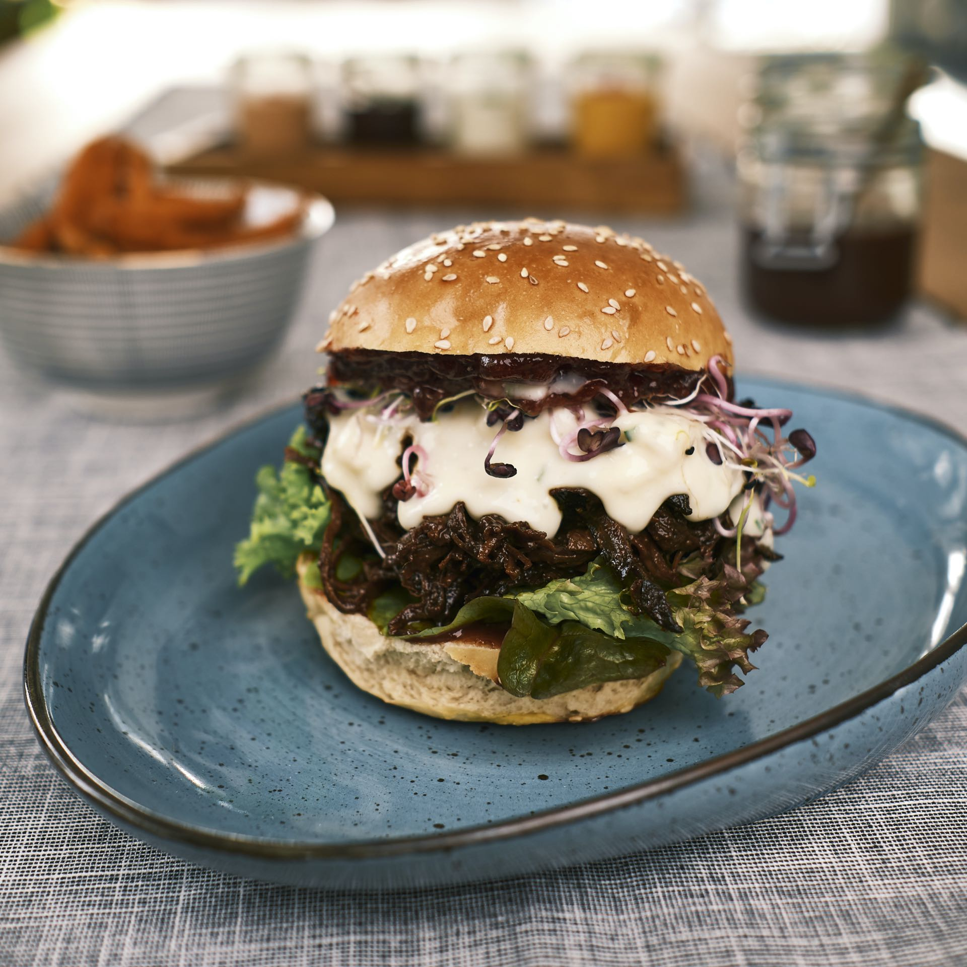 Pulled Beef Burger – BERRY HARVEST