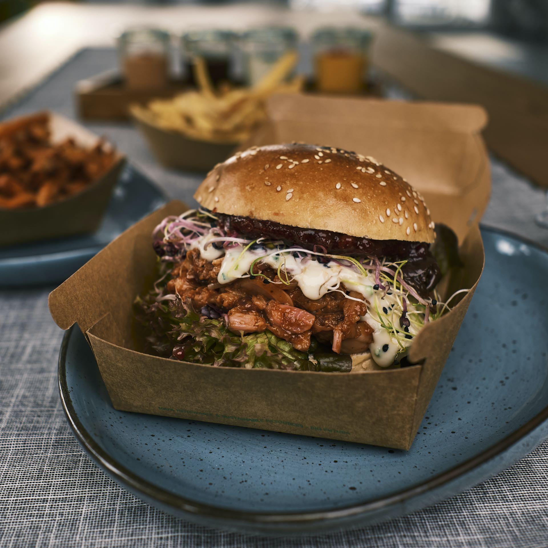 Pulled Jackfruit Burger – BERRY HARVEST