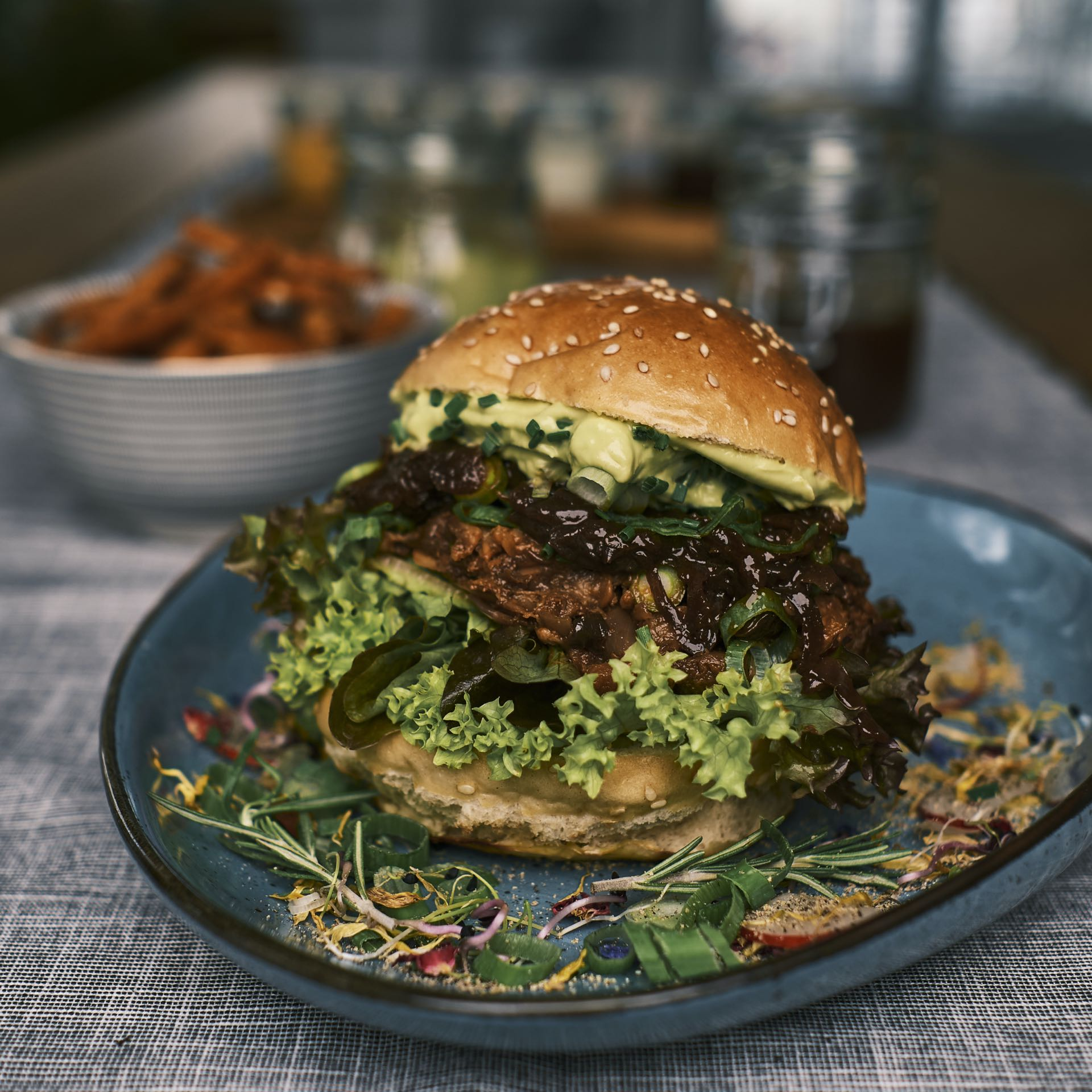Pulled Pork Burger – WILD-HERBS