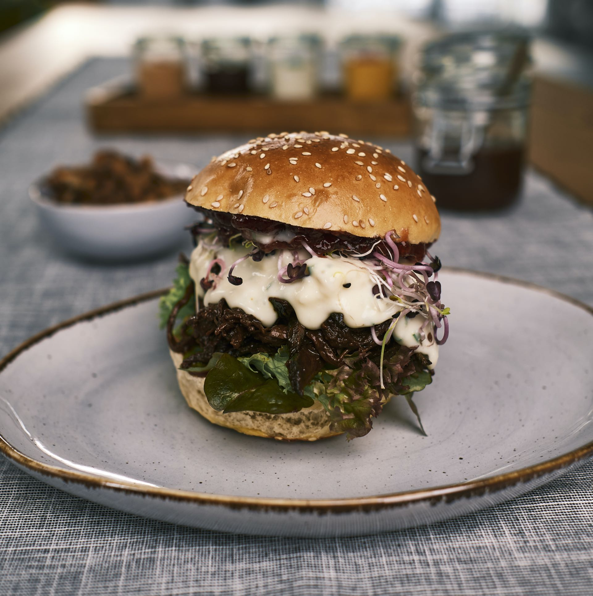 Pulled Pork Burger – BERRY HARVEST